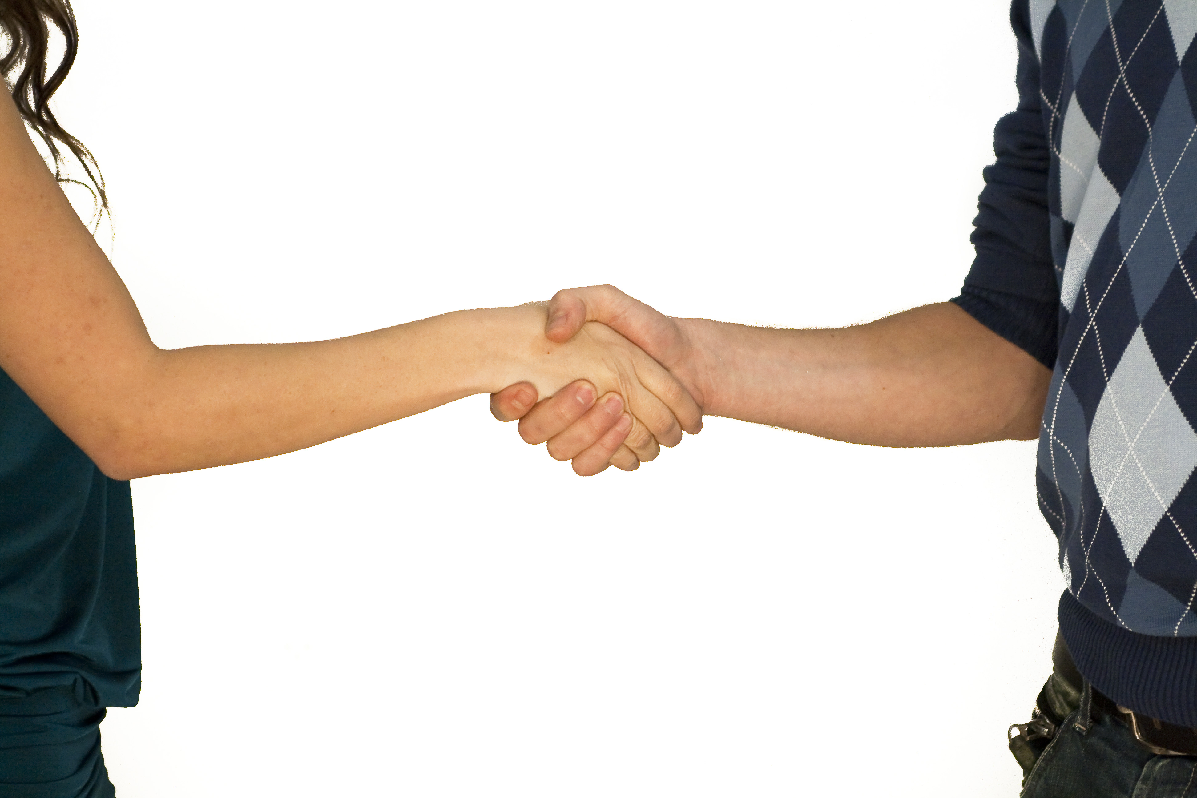 לחיצות ידיים בהיכרות בין אנשים